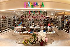多様化するお客様のニーズにお応えするため多業態化を促進し、レディースシューズの『ESPERANZA(エスペランサ)』、『LAGRACE MART(ラグラスマート)』、